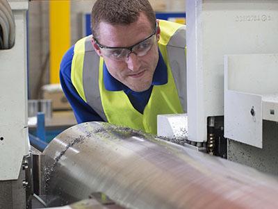 Metal stockholder increases bandsawing capacity