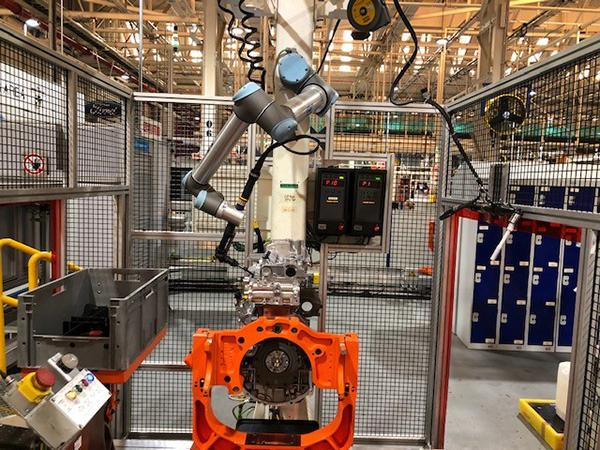 Ford Dagenham installs seven robots