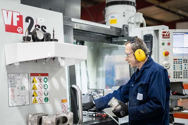 Pailton invests in VMC