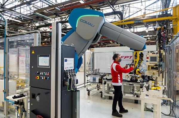 Robots partner humans at FPT