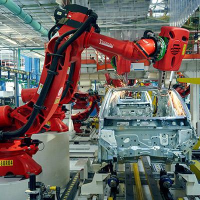 187 robots help produce Fiat 500 EV