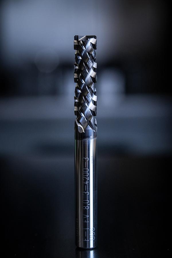 Compression geometry boosts CFRP machining