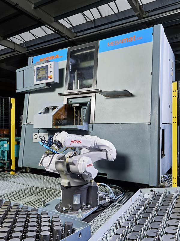 Robot supports sawing operations